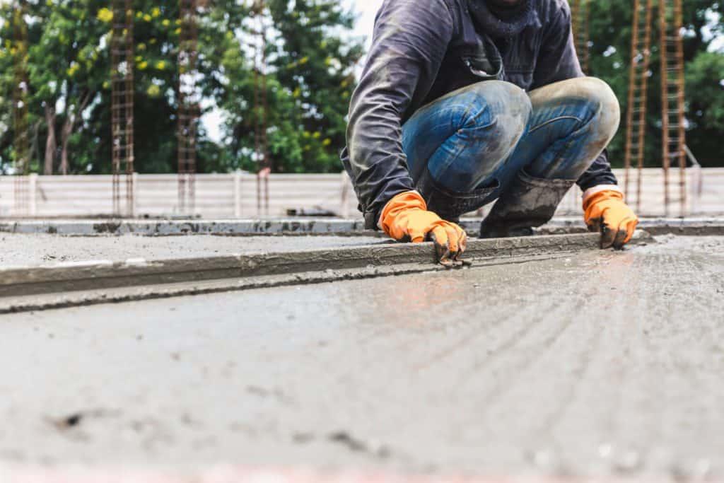 החלקת רצפת בטון